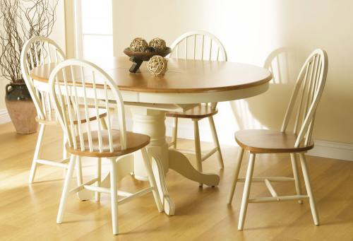 Extended round dining table