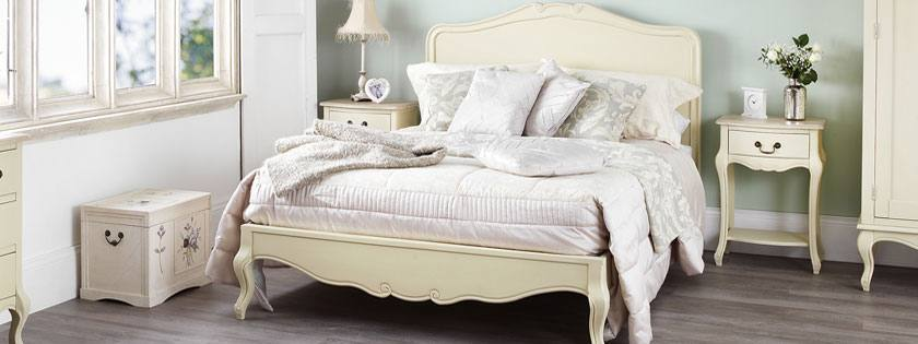 Statement Furniture - Juliette Champagne Bedroom Product Image
