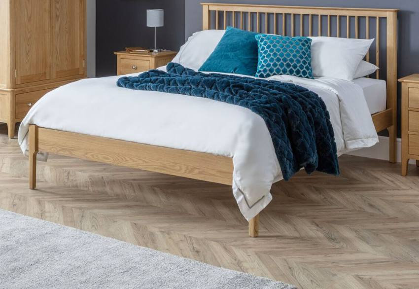 Julian Bowen - Cotswold Oak Bed Product Image